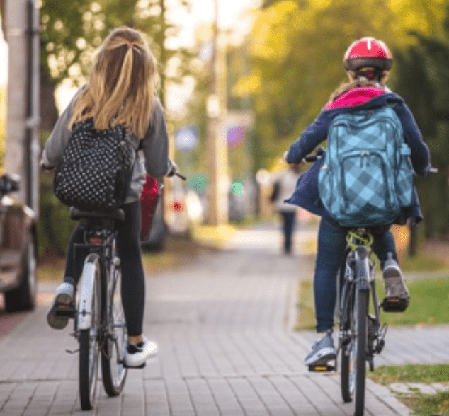 Read more about the article The revolution in sustainable transport starts here, outside schools!  Safe Routes to Schools initiative announced today by Green Party Minister Eamon Ryan.